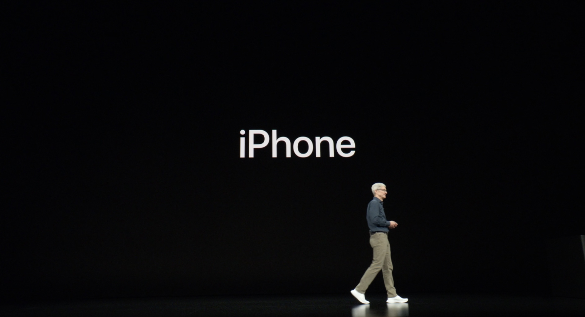 いよいよ話題はiPhoneに。