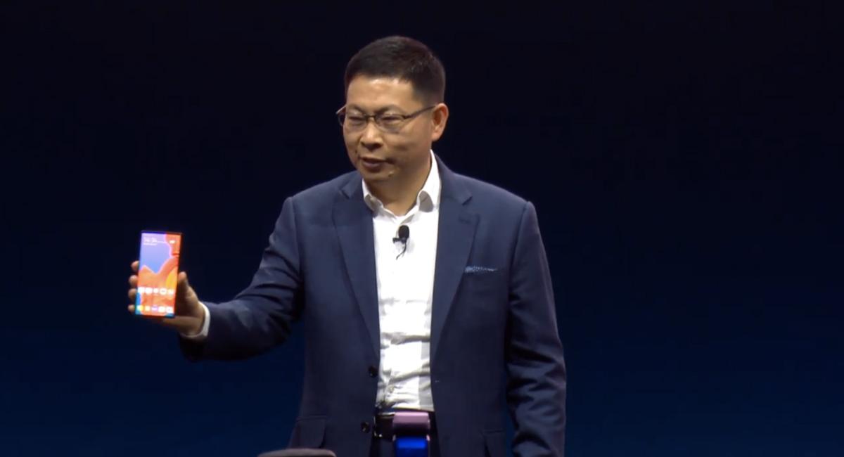 Huawei渾身のスマートフォン『HUAWEI Mate X』がお目見え。