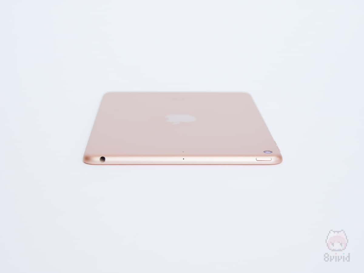 Apple『iPad mini(2019)』上側面。