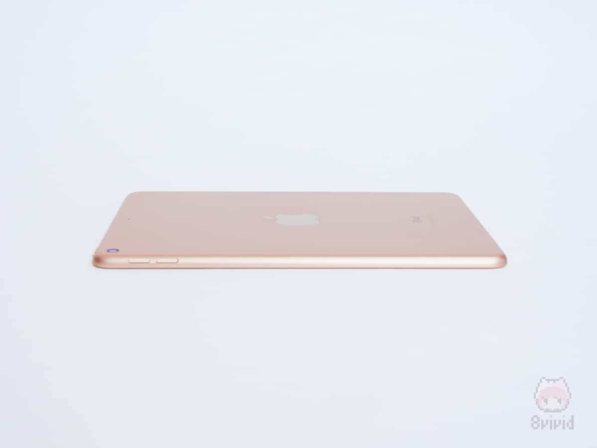 Apple『iPad mini(2019)』右側面。