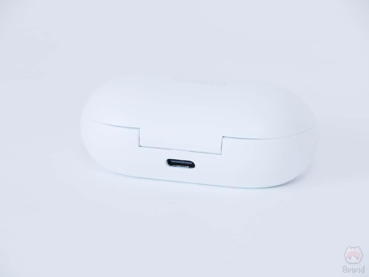 USB Type-CとQiという最新の充電規格に対応。