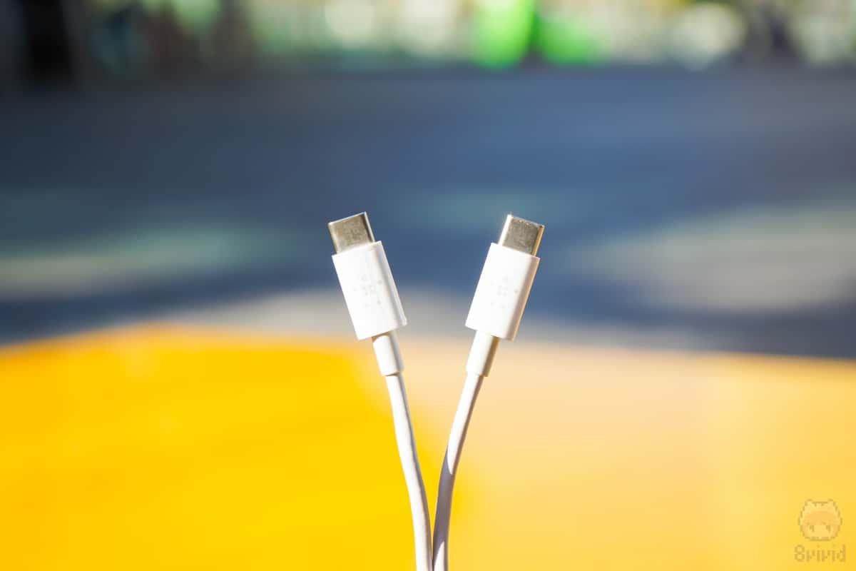 嬉しいUSB-C to USB-C ケーブル付属。