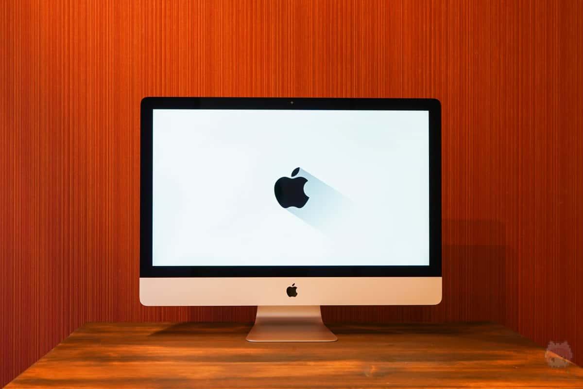 iMac Retina 5K(2019)前面。