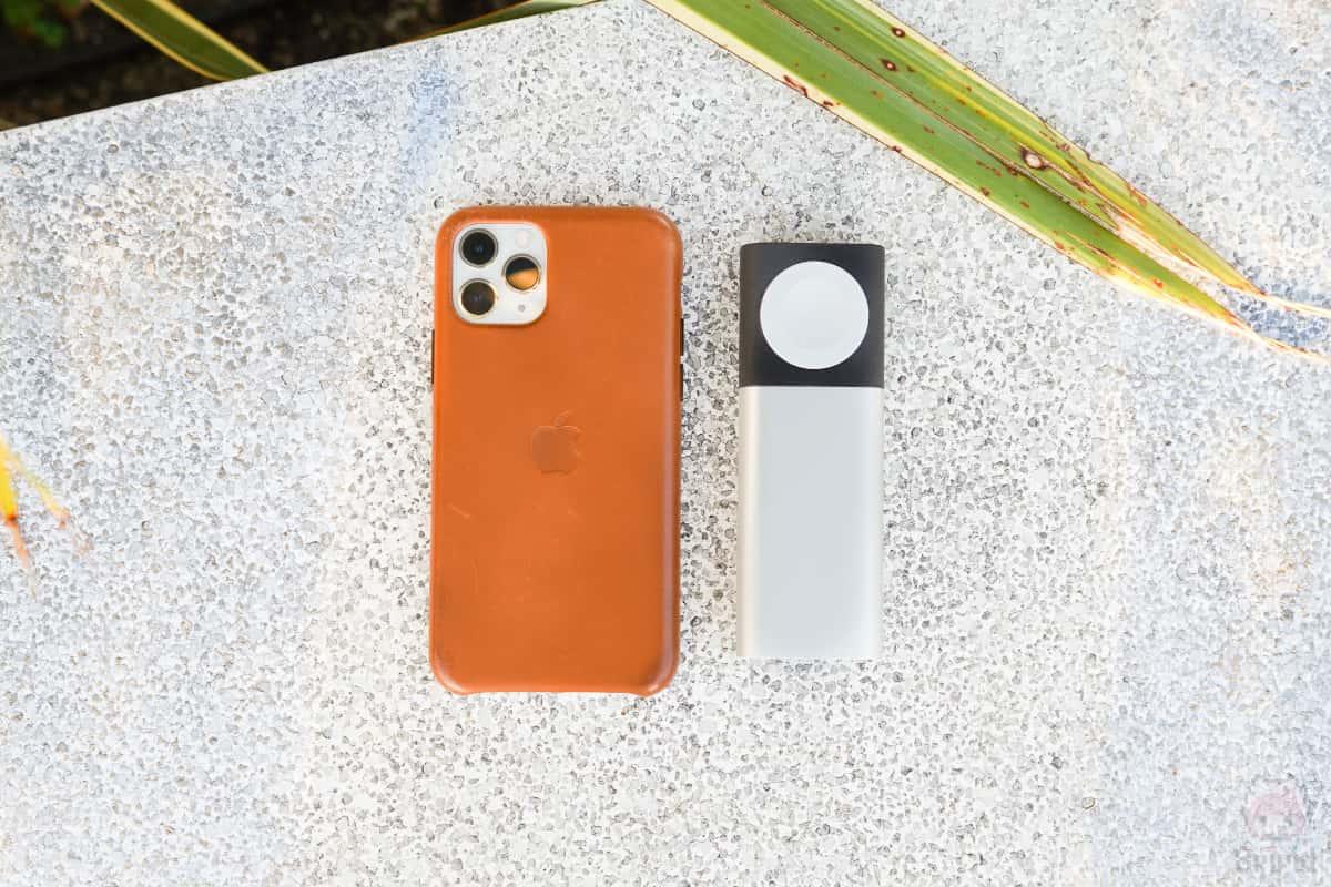 iPhone 11 Proより小型で丁度いいサイズ感。