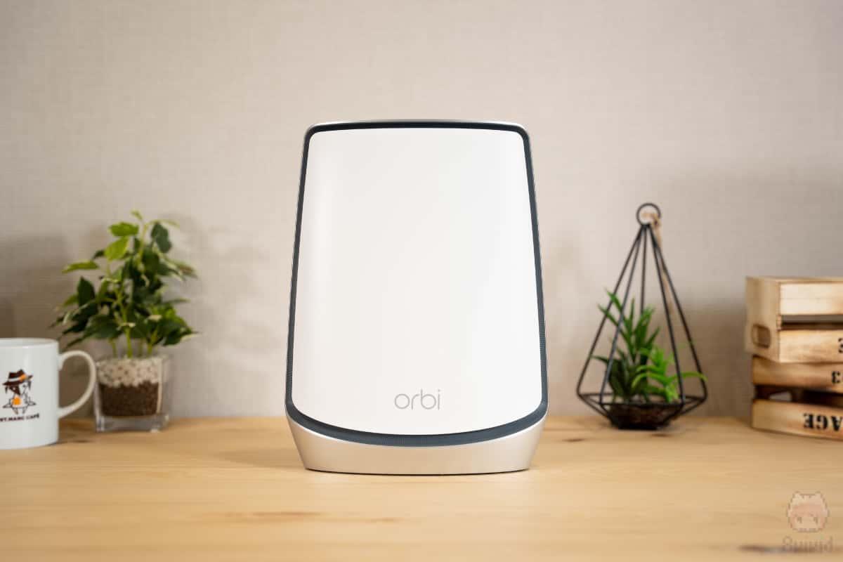 Orbi WiFi 6(RBR850)前面。
