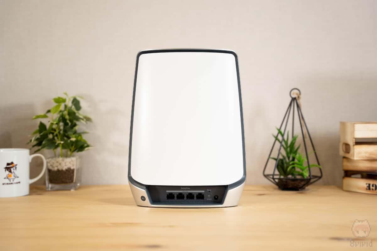 Orbi WiFi 6(RBS850)後面。