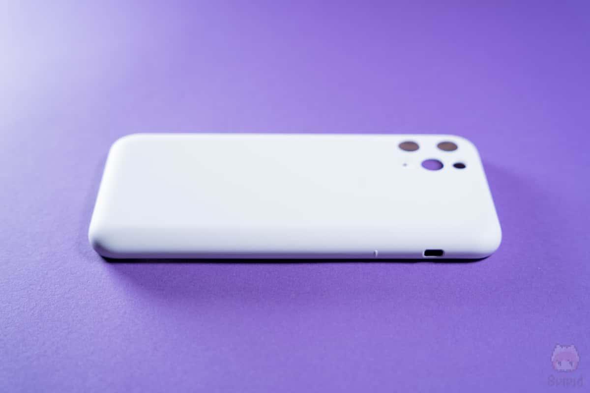 MYNUS iPhone 11 Pro CASE左側面。