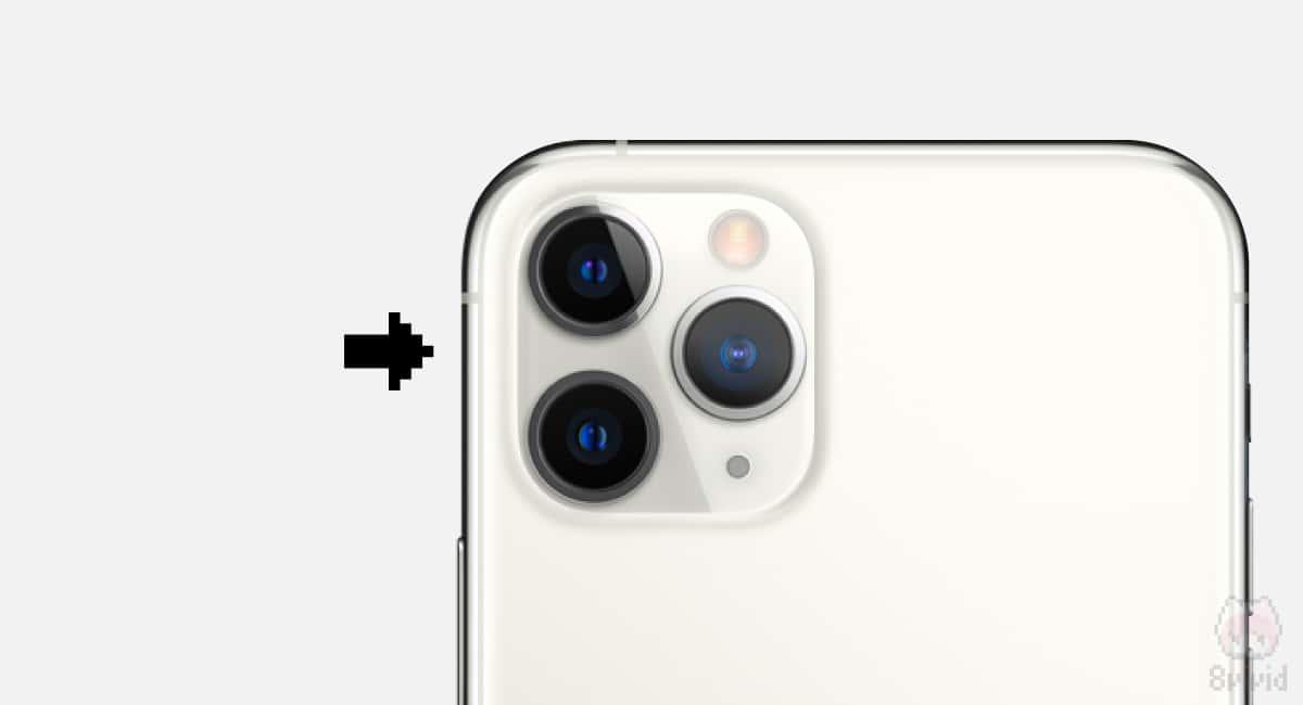 センサーサイズの大型化や光学設計により、カメラが出っ張り始めたのかも。