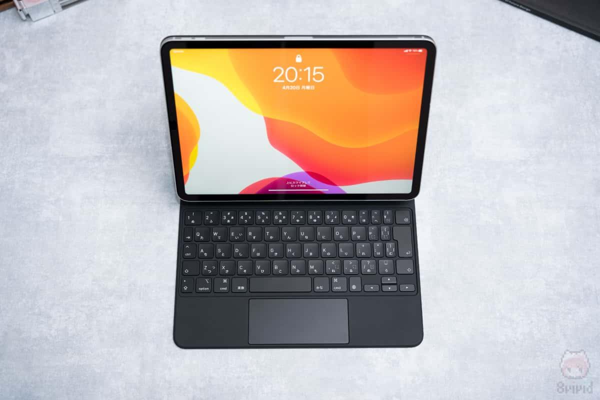 iPad Pro 11インチ装着時。