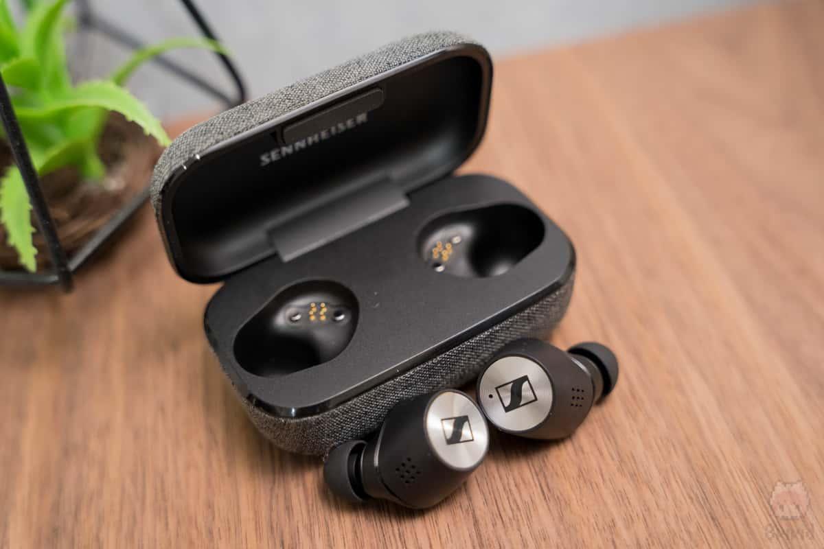 外音取り込みできる『Transparent Hearing』機能を搭載。