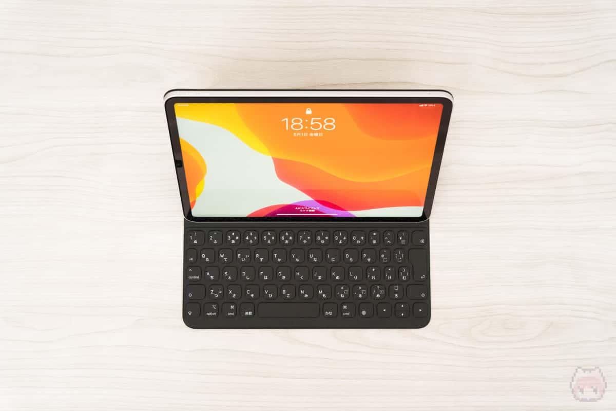 Apple『Smart Keyboard Folio』。