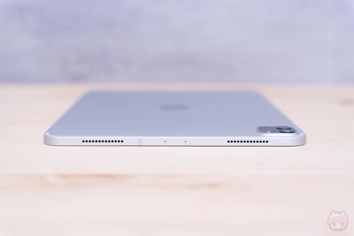 iPad Pro 11インチ(2020)上側面。