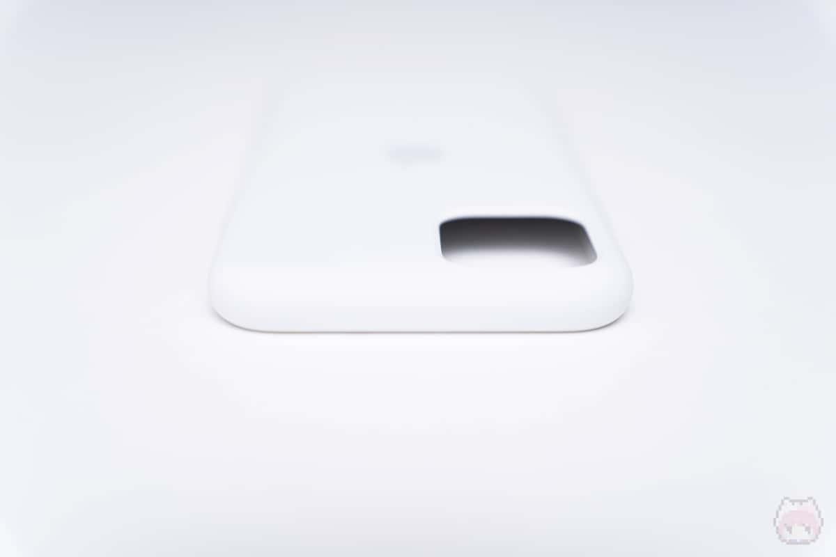 iPhone 11 Proシリコーンケース上側面。