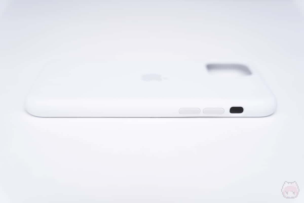 iPhone 11 Proシリコーンケース左側面。