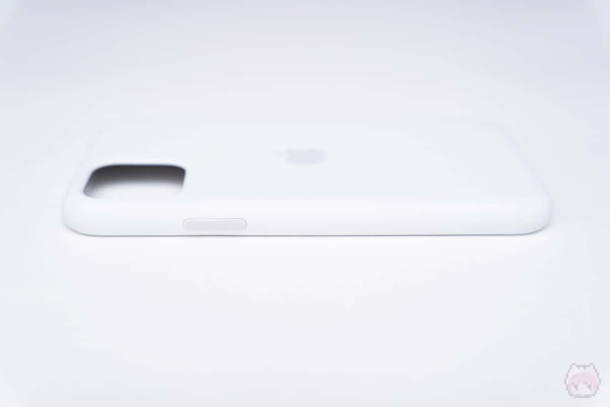 iPhone 11 Proシリコーンケース右側面。