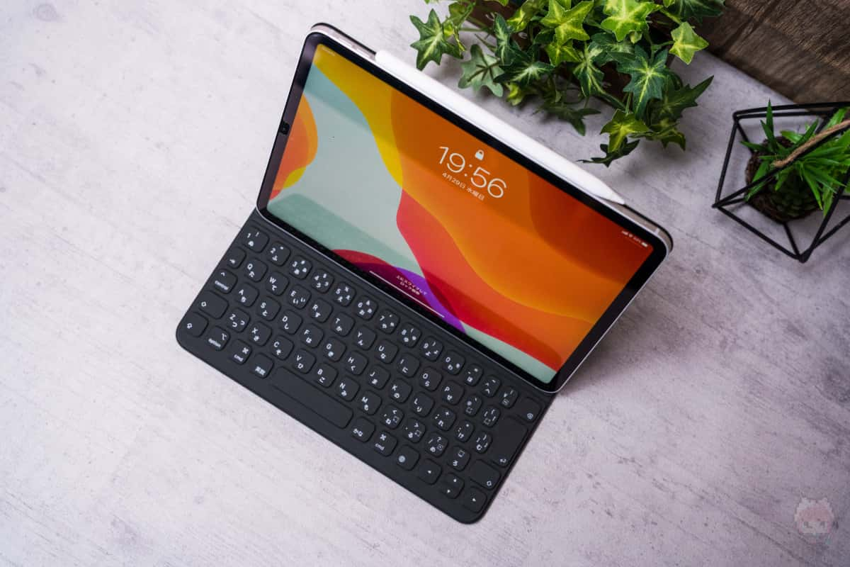 軽さを取るなら、Smart Keyboard Folio(2nd Gen)。