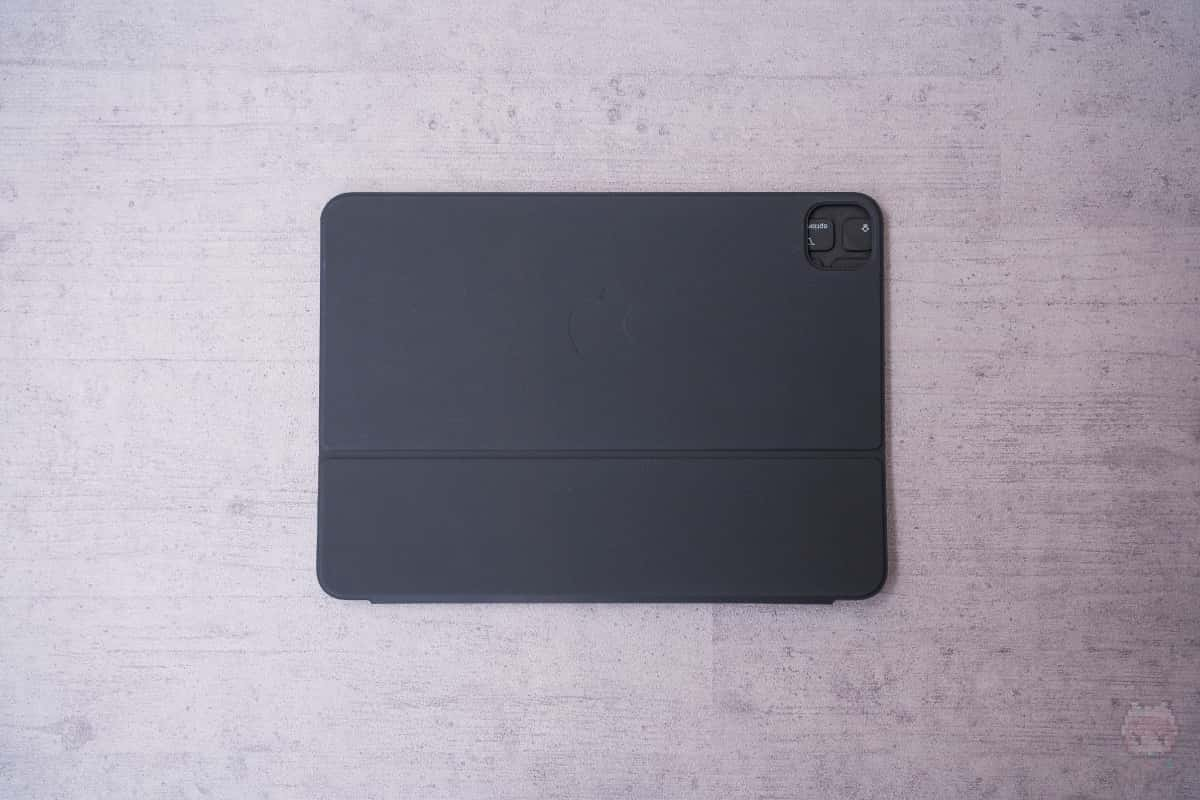 Smart Keyboard Folio(2nd Gen)裏面。