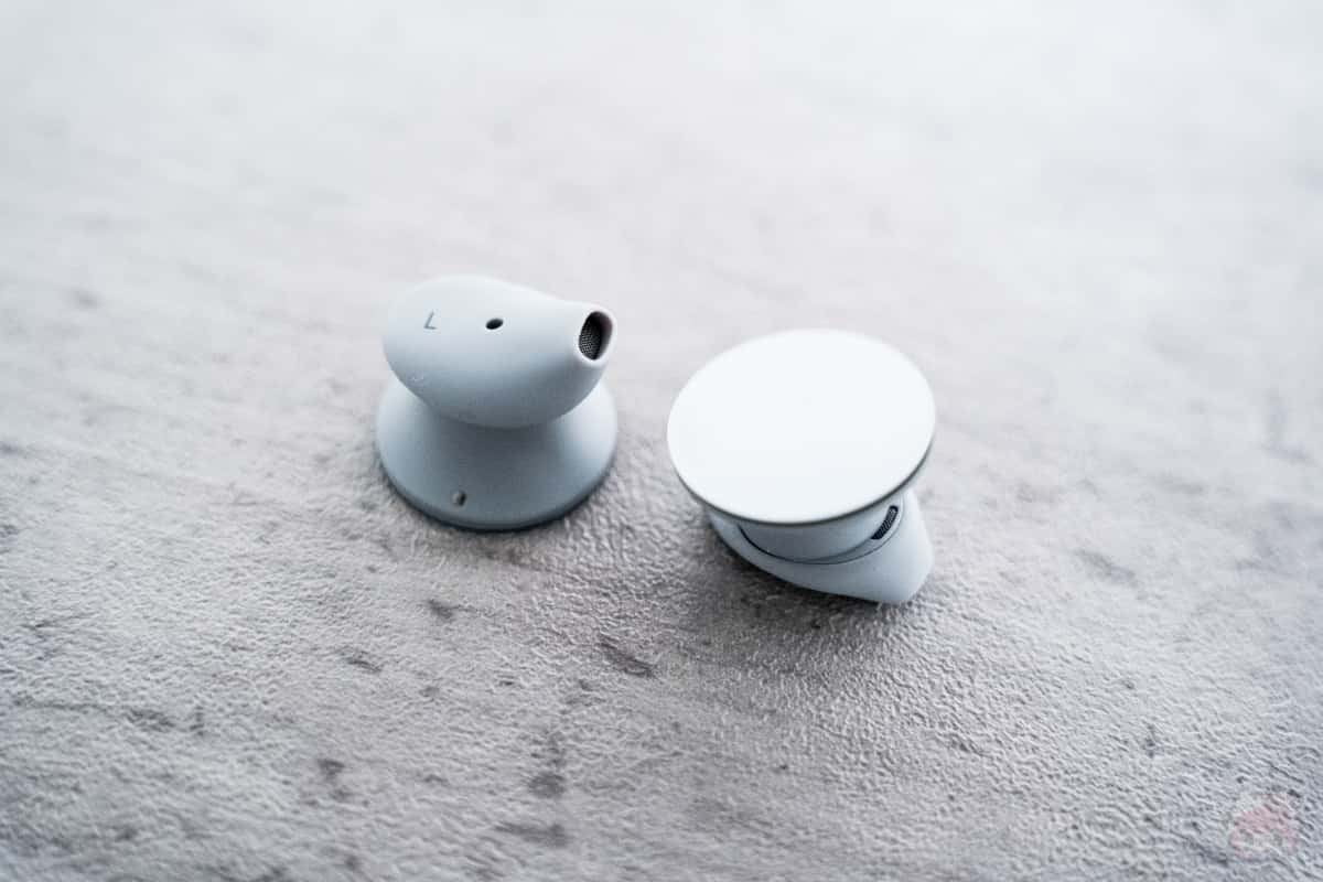 "Surface Earbudsは""高級感と夢中になれる""音らしい。"