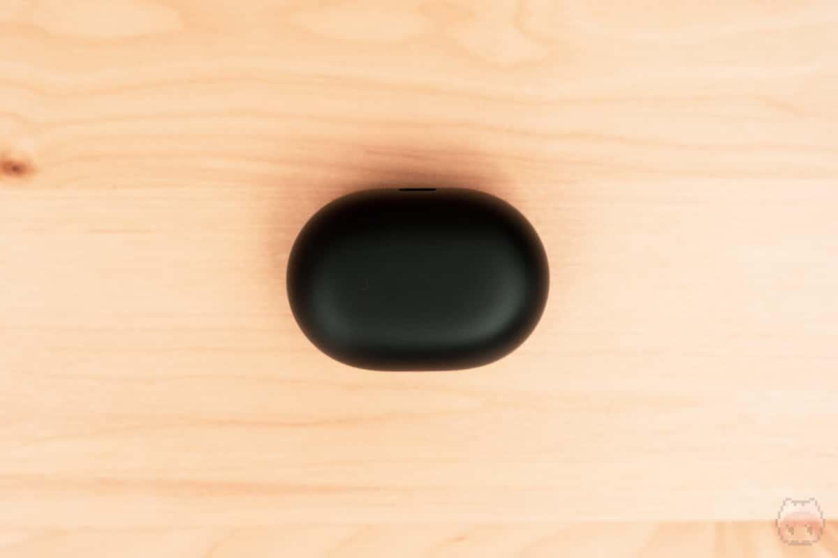 TRACK Air+ SE充電ケース下面。