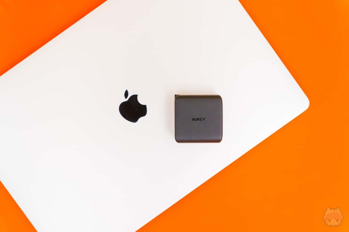 MacBook Pro 16インチを余裕で充電可能。