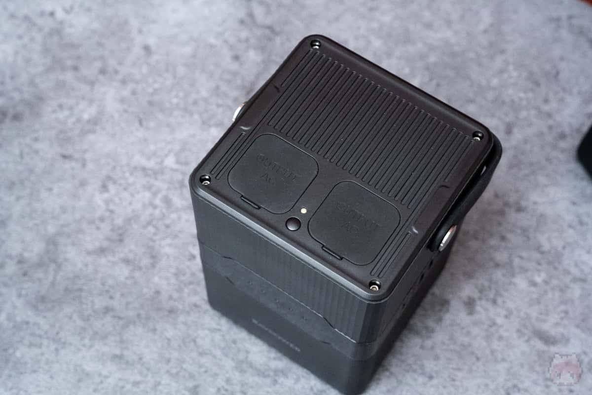 AC電源・DC電源・USB出力に対応。