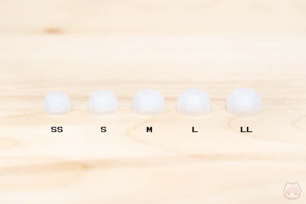 左から、SS・S・M・L・LLサイズという並び。