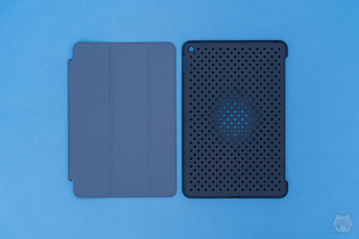 Smart Coverと若干、色が違う……。