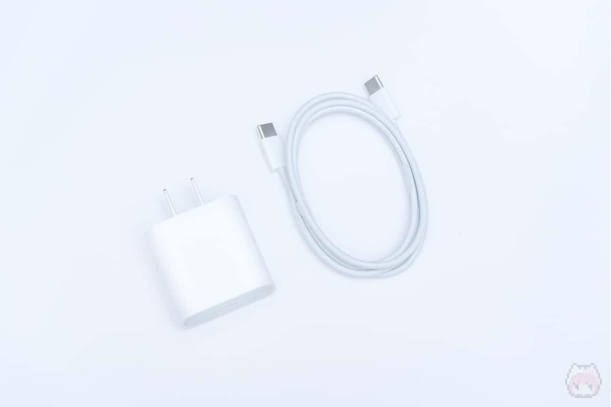 そこそこの小型なのでサブのUSB PD充電器として有用。