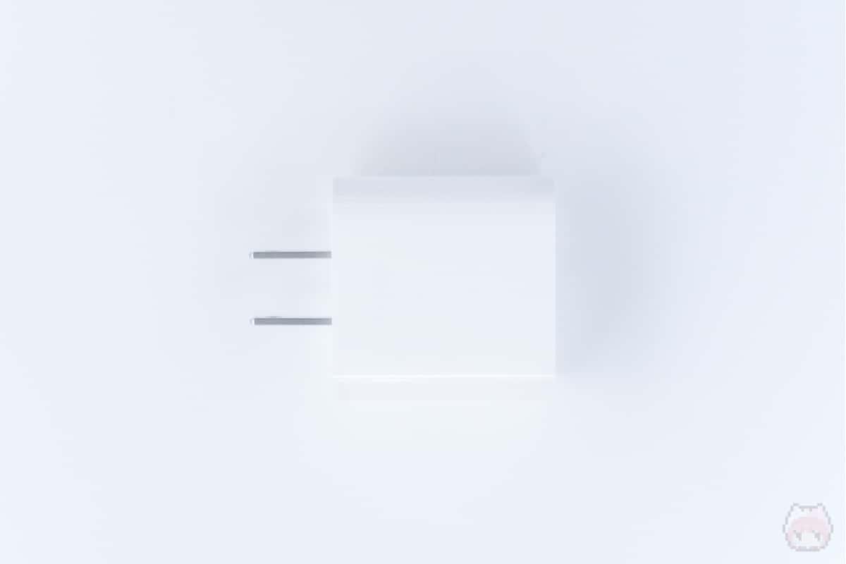 18W USB-C電源アダプタ上面