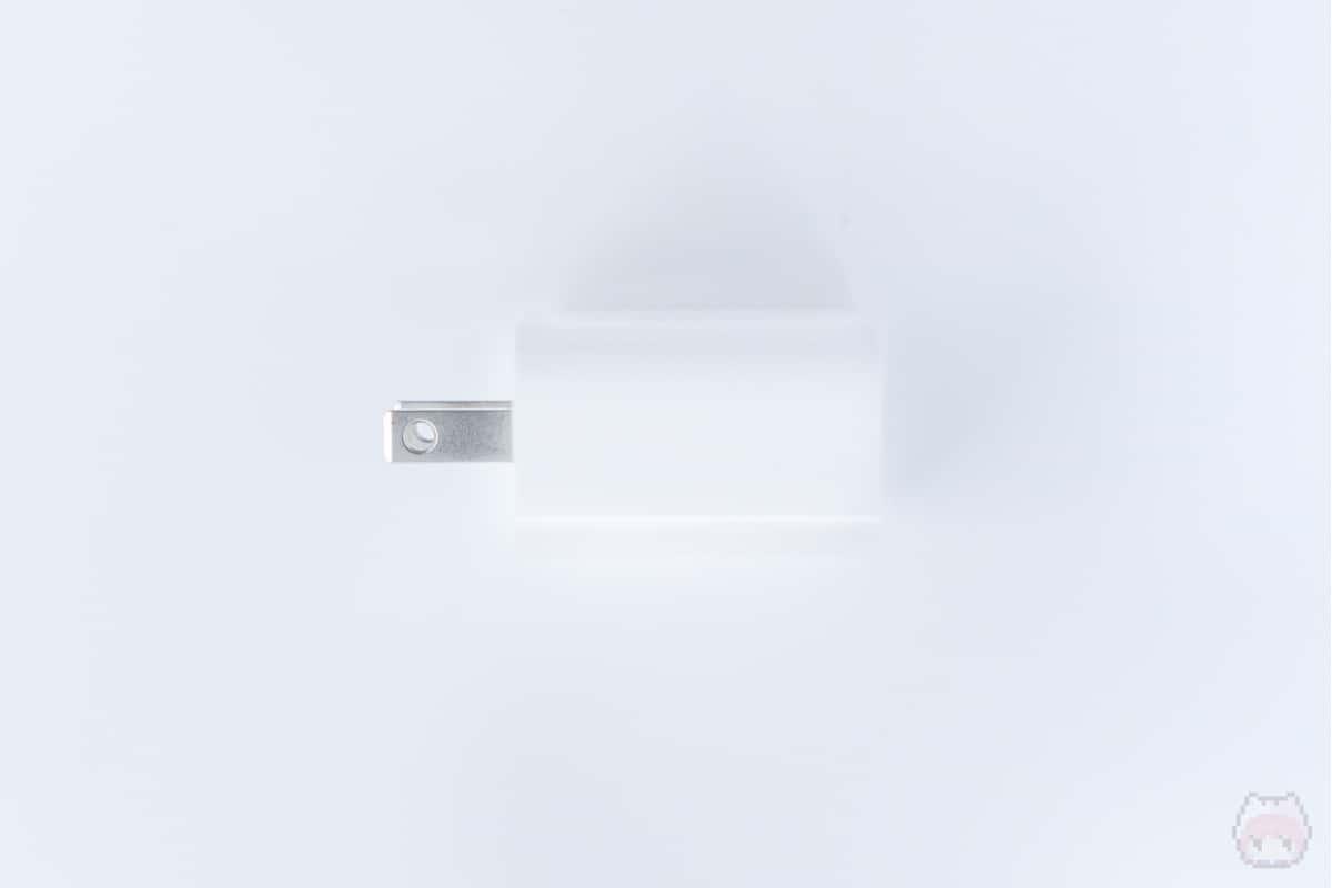 18W USB-C電源アダプタ左面
