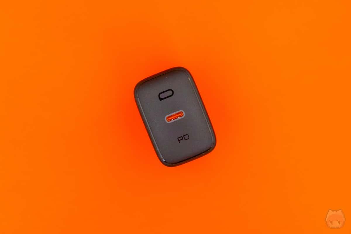 USB出力はType-Cが1ポートのみ。