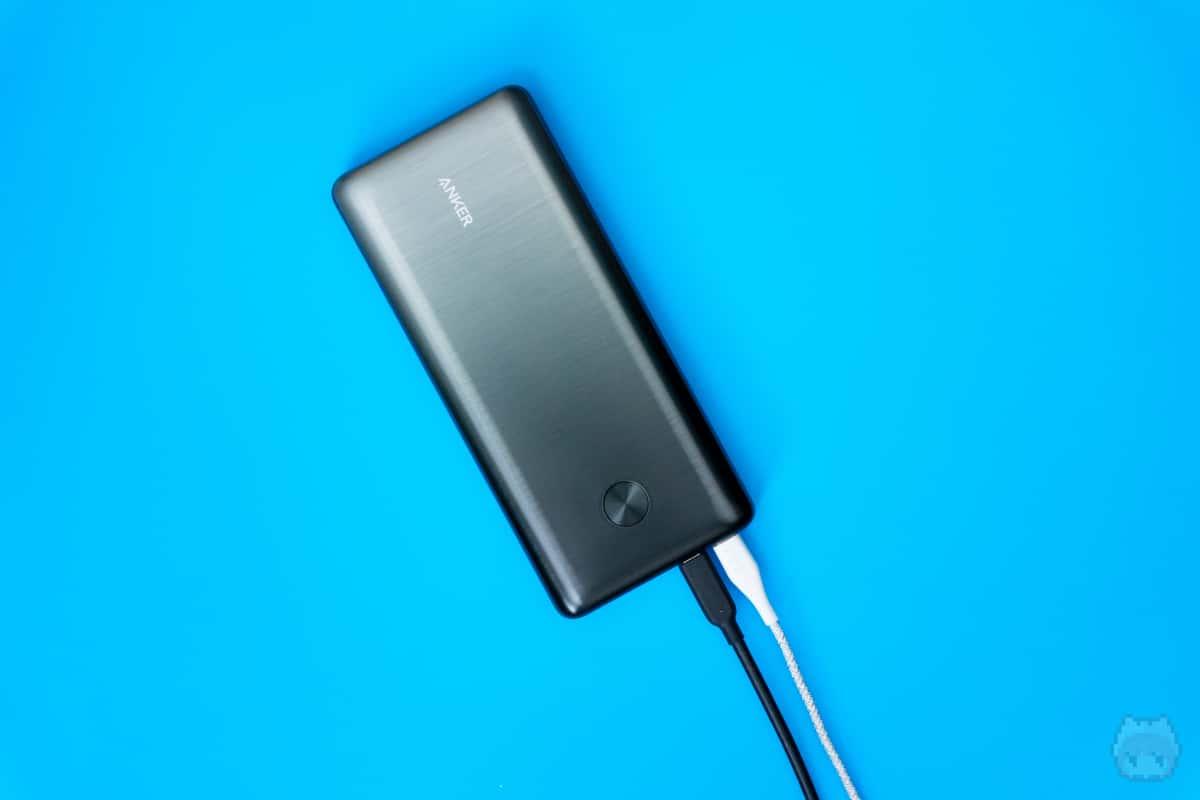 USB PD対応USB Type-Cが2ポートある珍しいモバイルバッテリー。