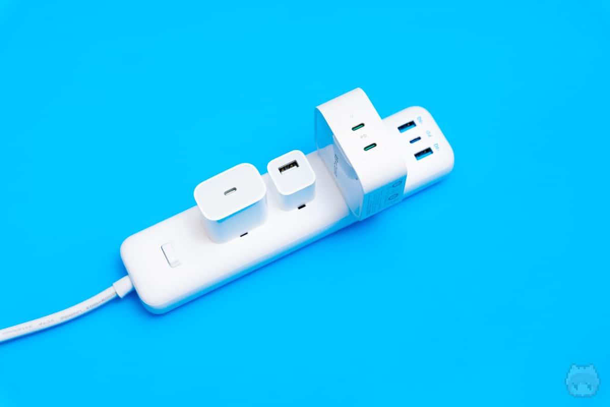 コンセントにもUSB PDを挿して、電源タップを充電ステーションに!