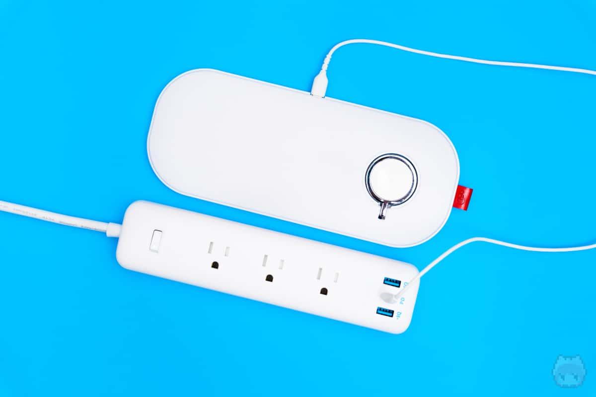 30W出力のUSB PDなら、ワイヤレス充電器の電源確保に最適。