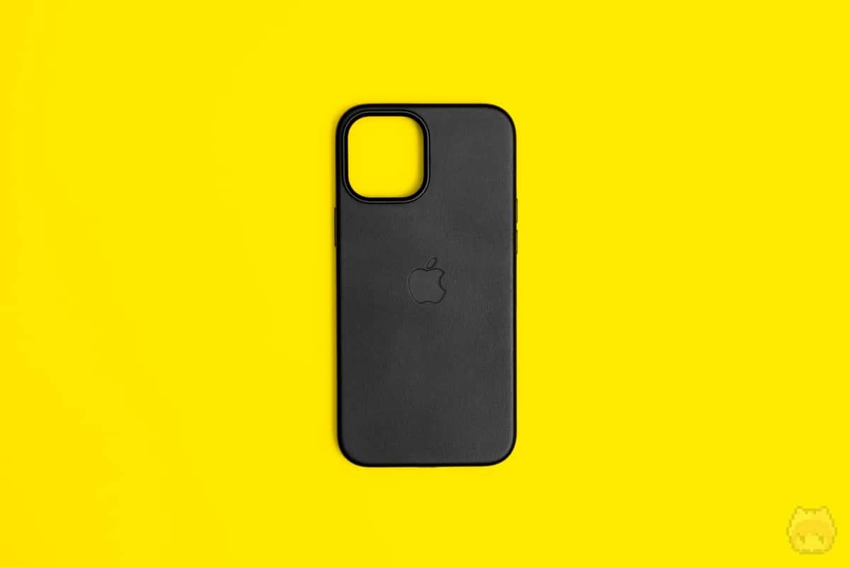 MagSafe対応iPhone 12 Pro Maxレザーケース外面