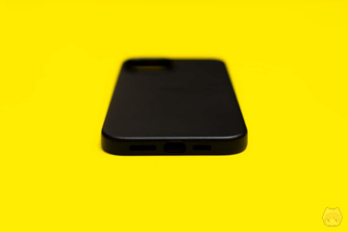 MagSafe対応iPhone 12 Pro Maxレザーケース下面
