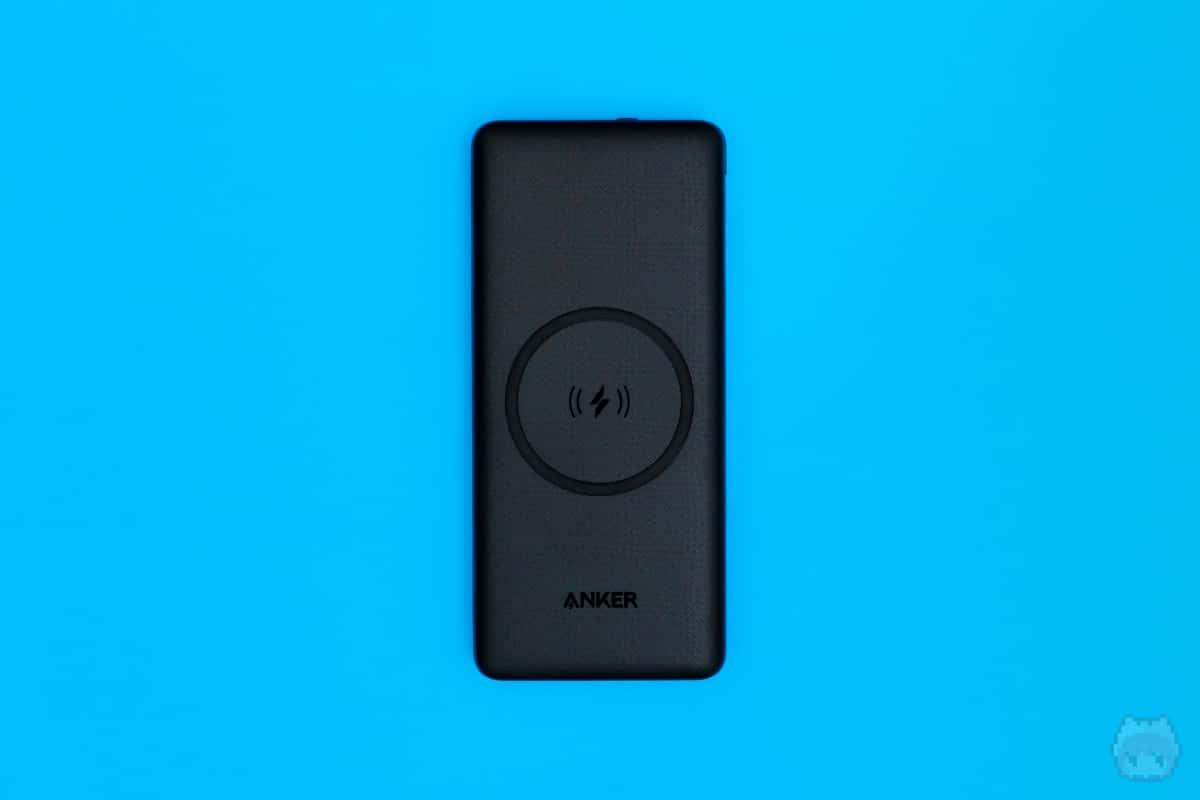 Anker PowerCore III 10000 Wireless(上面)