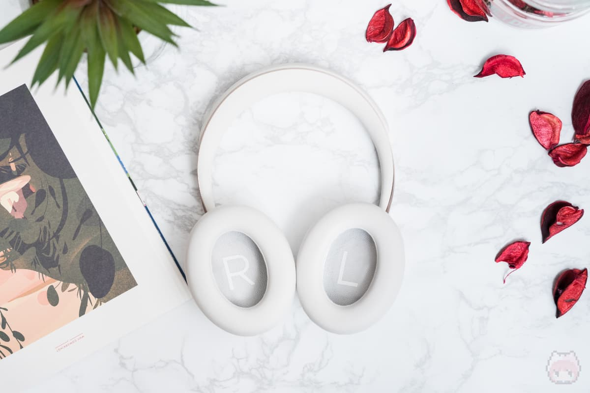 Bose Noise Cancelling Headphones 700(後面)