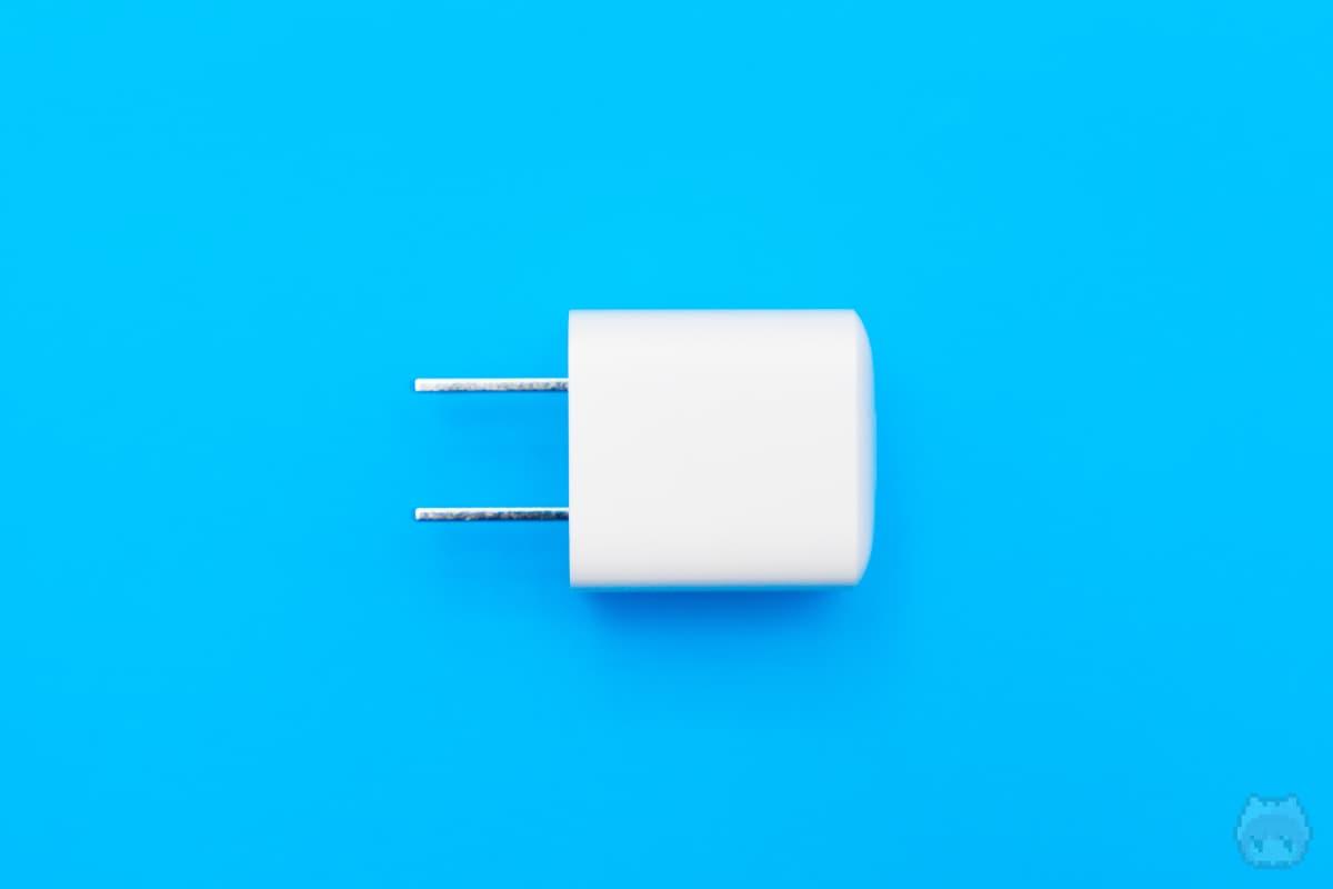 Anker PowerPort III Nano 20W(下面)