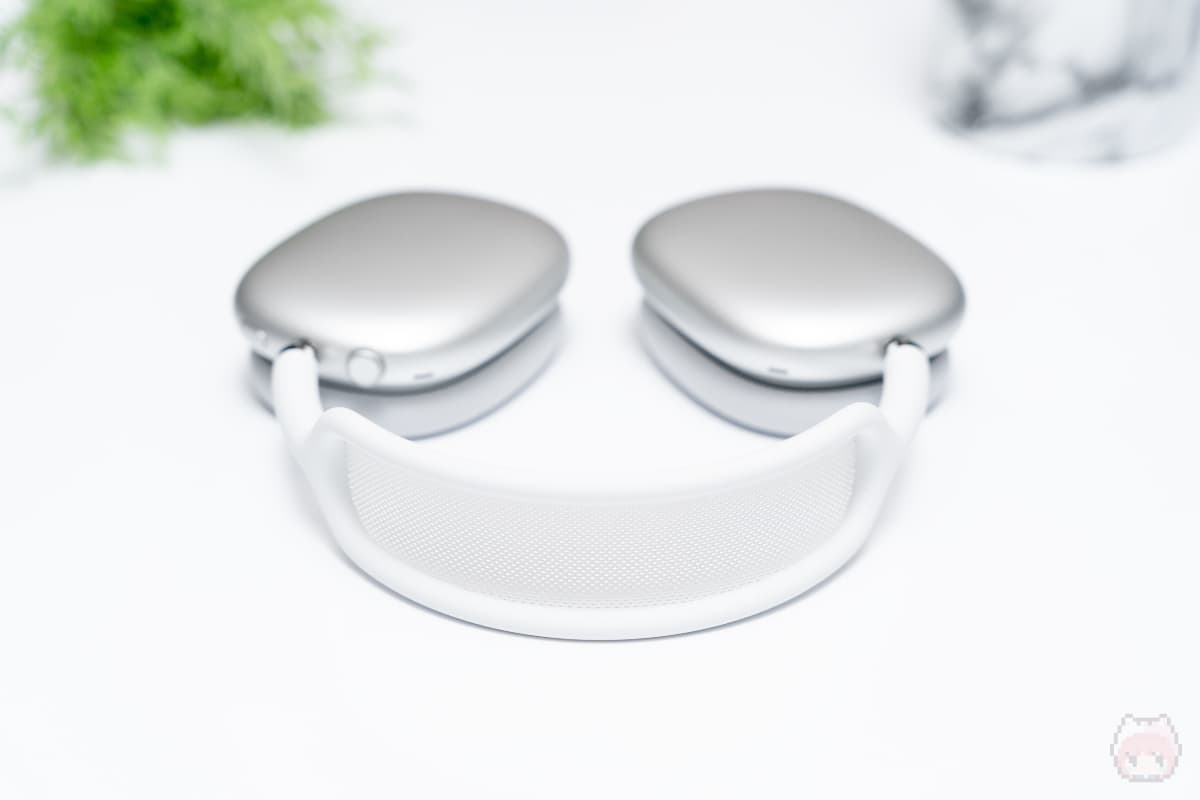 AirPods Max(上面)
