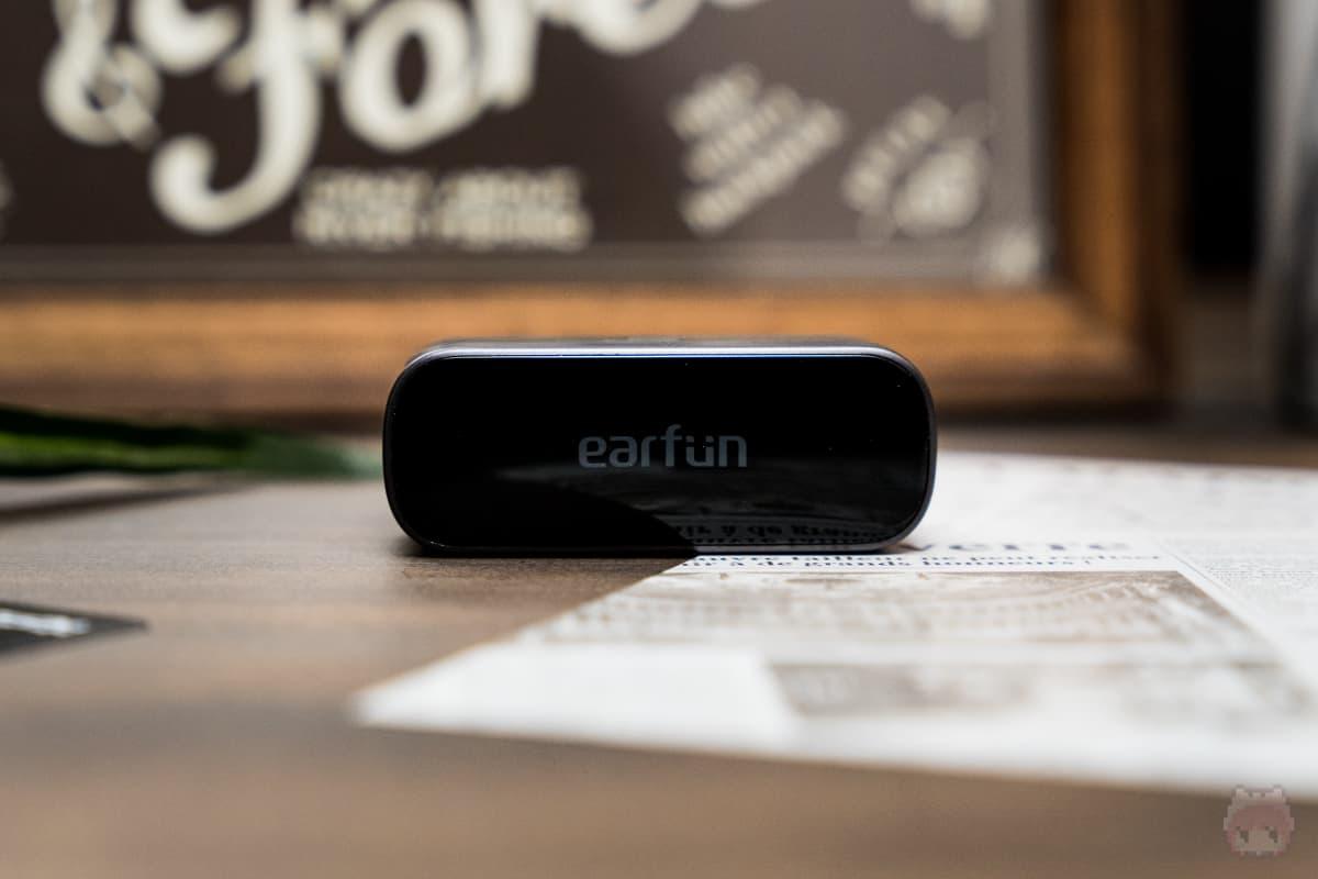 EarFun Free Pro(充電ケース上面)
