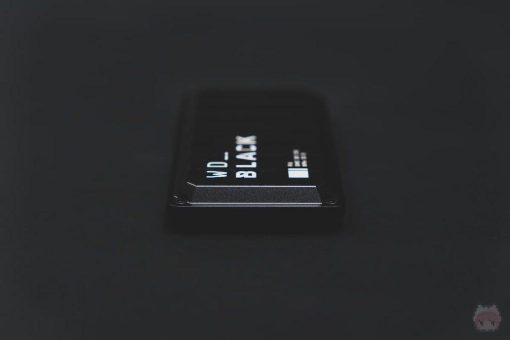 WD_BLACK P50 Game Drive SSD(左面)